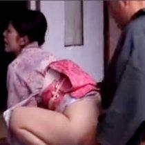 清楚な美人四十路お茶の先生と肉体不倫関係を結ぶ…着物を脱ぎ捨て1人の女となる