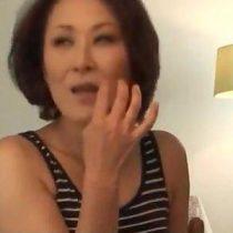 【素人熟女動画】高畑〇子似の四十路妻がナンパしてきた男と一夜限りの即ハメセックス。