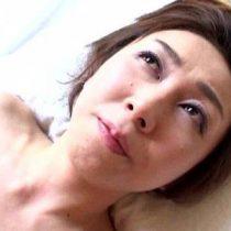 【無修正熟女動画】旅館に呼んだスレンダー系美人の40代コンパニオンと朝まで生セックス。