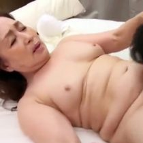 【高齢 熟女動画】70歳でもセックスの時は若い時のように激しくなっちゃうと淫乱になる素人おばさんのマジセックス