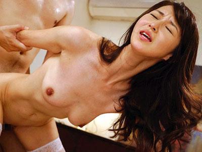 四十路の美人主婦がAVに出演したセックスが忘れらないと再度応募して中出し撮影 北川礼子 熟女動画