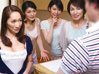 【ハーレム】ド淫乱な熟女四姉妹達が結託、誘惑した若い男を男を食い散らかしていく乱交セックス