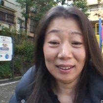 【無修正】旦那に一途な45歳熟女が初めての不倫。公園デートからラブホテルでハメ撮り中出し。