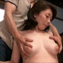 完熟エロボディがたまらない四十路素人熟女の浅田奈保子さん、旦那以外の若い男とご無沙汰中出しセックス 熟女動画
