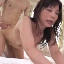 祇園出身、元舞妓で人妻の二ノ宮慶子サン(48歳)が五十路前に迎えた性欲のピーク迎えAV出演! 熟女動画