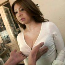 診察にやって来た色気ムンムンのGカップ巨乳熟女に興奮した変態医師が我慢できず・・・ 風間ゆみ 熟女動画