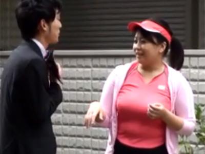 爆乳おっぱい揺らしながらランニングしてた四十路主婦をナンパしたら筆おろししてくれた 熟女動画