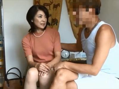 【五十路】家事代行サービスで家に来たおばさんに悩み相談してたら、徐々にいい感じになりそのままセックスに発展 熟女動画