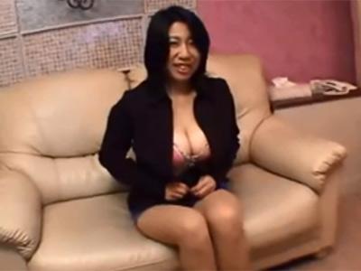 【無修正 xhamster】Jカップ爆乳おっぱい素人熟女をホテルに連れ込んで中出しハメ撮り 熟女動画