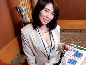 毎月トップの成績を収めている美人五十路生保レディの中出し枕営業の様子がこちら・・・ 翔田千里 熟女動画