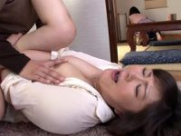 義母に発情した娘婿が嫁の目を盗んで性的イタズラした結果・・・ 円城ひとみ 熟女動画