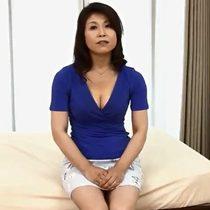 結婚30年目で5年セックスレスの素人五十路主婦が旦那に内緒でアダルト出演 熟女動画