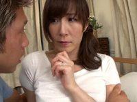 息子の友達にオナニーしている姿を盗撮されてしまい脅迫され性奉仕する美人母 澤村レイコ 熟女動画