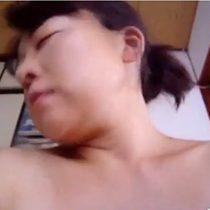 【無修正】爆乳専業主婦熟女が真昼間から男に跨り騎乗位で必死に腰を振るホンモノ素人個人撮影動画がネット流出 熟女動画