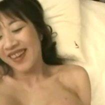 【無修正】セフレ関係のド淫乱な五十路主婦にハメ撮りお願いして不倫セックスを撮影 熟女動画