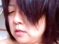 【無修正】完全素人のパイパン五十路熟女が全裸で不倫相手のちんぽを手コキ奉仕する個人撮影動画がネット流出 熟女動画