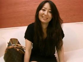 【無修正】アニメ声の少し触られるだけで感じてしまう敏感な素人三十路妻の西脇加奈子(35)がAV出演 熟女動画