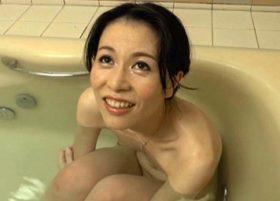 ぽっちゃり豊満の四十路主婦が顔面騎乗位でまんこを強制クンニ!させてからの生セックス 翔田千里 熟女動画