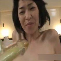 【無修正】アラフィフに見えない綺麗な身体の熟女に種付け中出しして寝取りセックス! 熟女動画