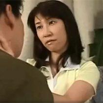 【無修正】オナニーで性欲を満たす専業主婦が息子と一線を越えてしまい近親アナルセックス 浅倉こずえ 熟女動画