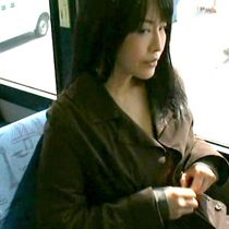 性に飢えた澄まし顔の独身四十路熟女がバスの車内で男性を誘惑して個室トイレでセックス ヘンリー塚本 浅井舞香 熟女動画