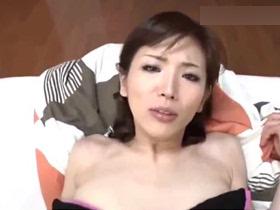【無修正】綾瀬はるか似の素人主婦とハメ撮りセックスしている個人撮影がこちら… 熟女動画