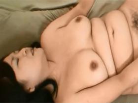 【無修正】旦那とのセックスが年3回だという欲求不満なむっちり体型妻の志賀留美子(46)サンと中出しハメ撮り