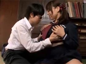 【中森玲子】爆乳の熟女母親が息子のために、セーラー服姿で筆下ろし生ハメセックス! 熟女動画
