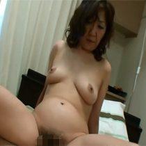【無修正】旦那がしてくれなくて浮気相手とセックスしまくりな素人妻(51歳)と中出しセックス 熟女動画