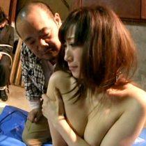 旦那の見てる目の前で複数のレイプ魔から輪姦されてしまった美人妻 川上ゆう 熟女動画