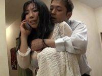 雨でずぶ濡れで下着や巨乳おっぱいがスケスケな友達の母親に欲情して強引にセックスを迫って・・・ 三喜本のぞみ 熟女動画
