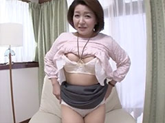 54歳の上品そうな素人おばさんが、エッチ目的で九州から上京しAV出演!