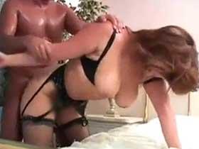 【無修正】爆乳垂れ乳のケバいムチムチ熟女を様々な体位でチンポをぶち込む!